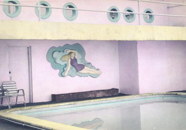 Senator-Hotel-Pool-14×20